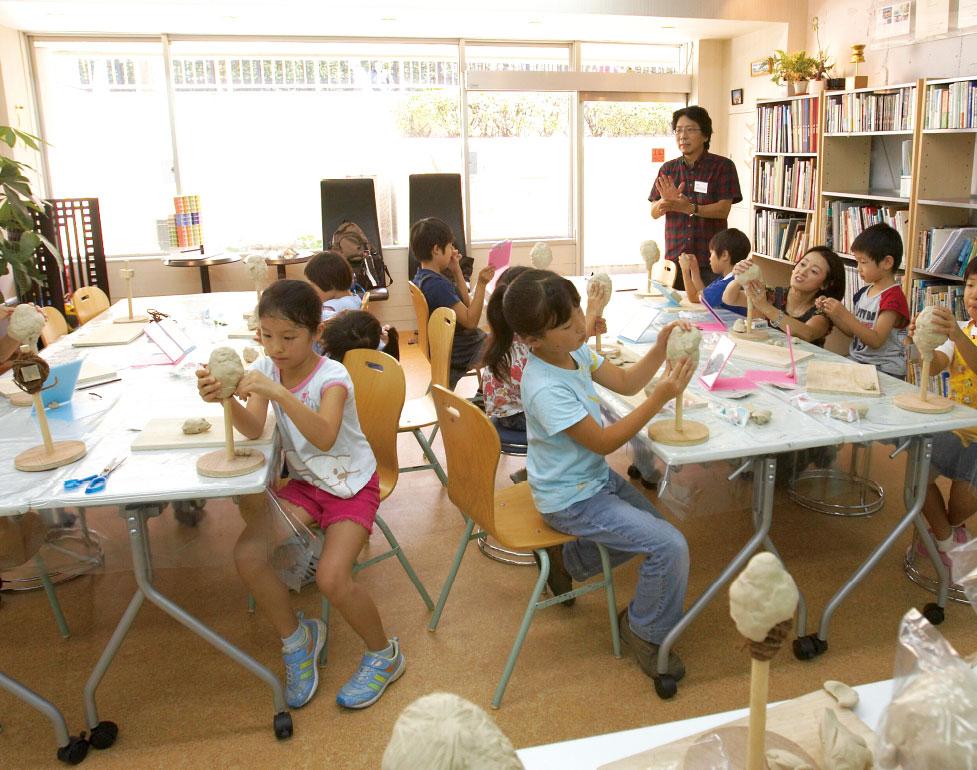 本科クラスはお絵かき系と工作系の総合的クラスです